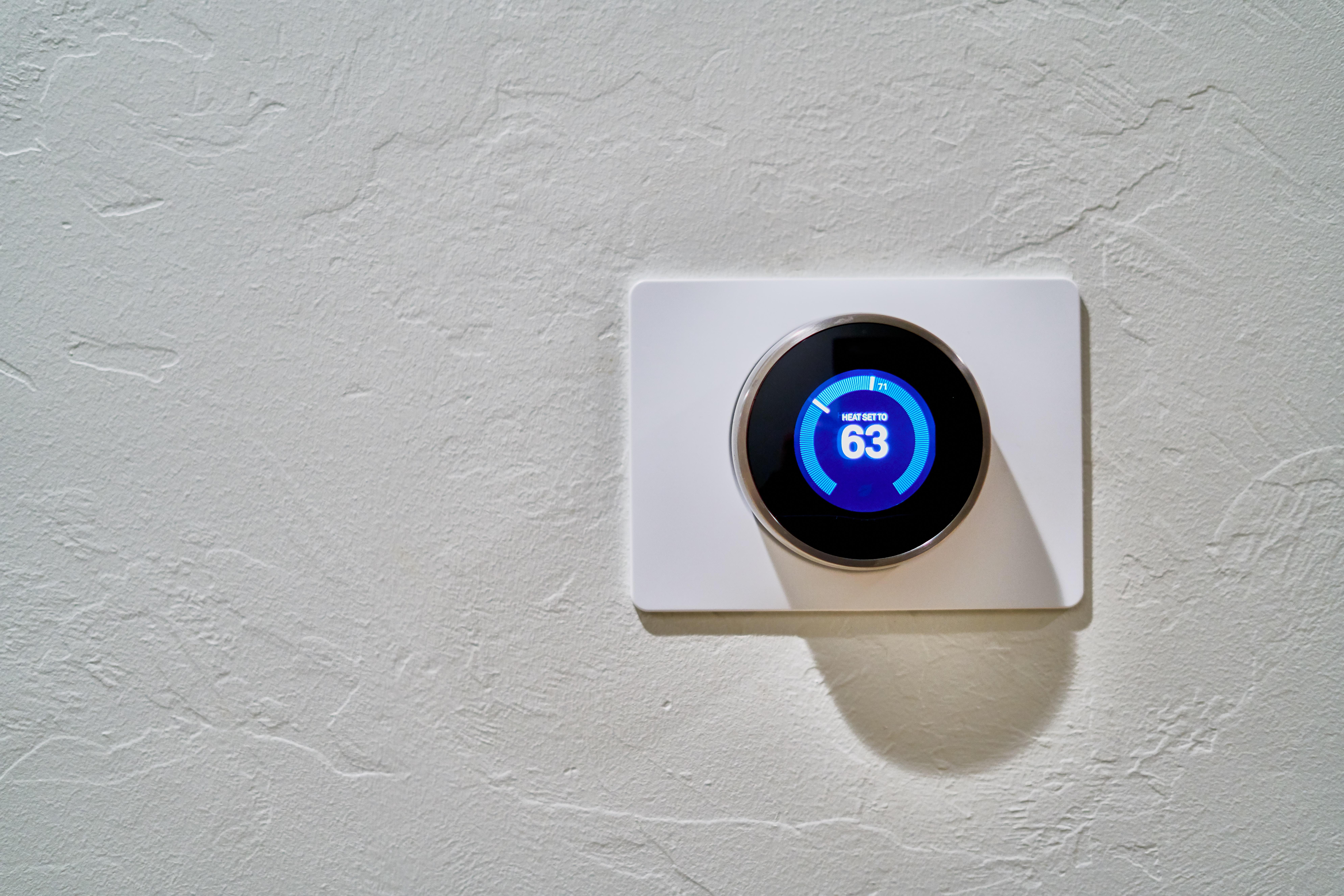 Ahorrar en calefacción: programa el termostato